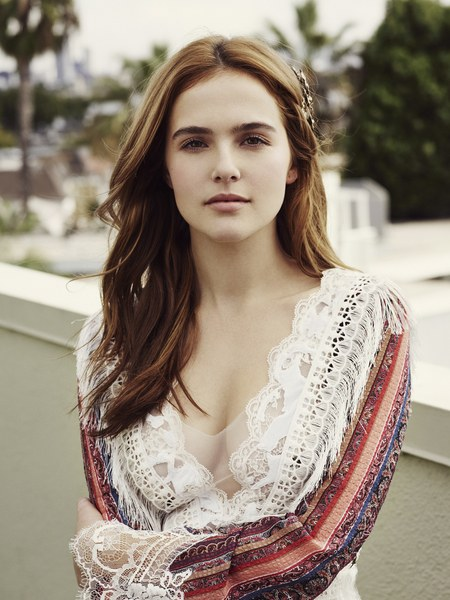 Zoey Deutch is a model that appeared in Ed Sheeran Perfect